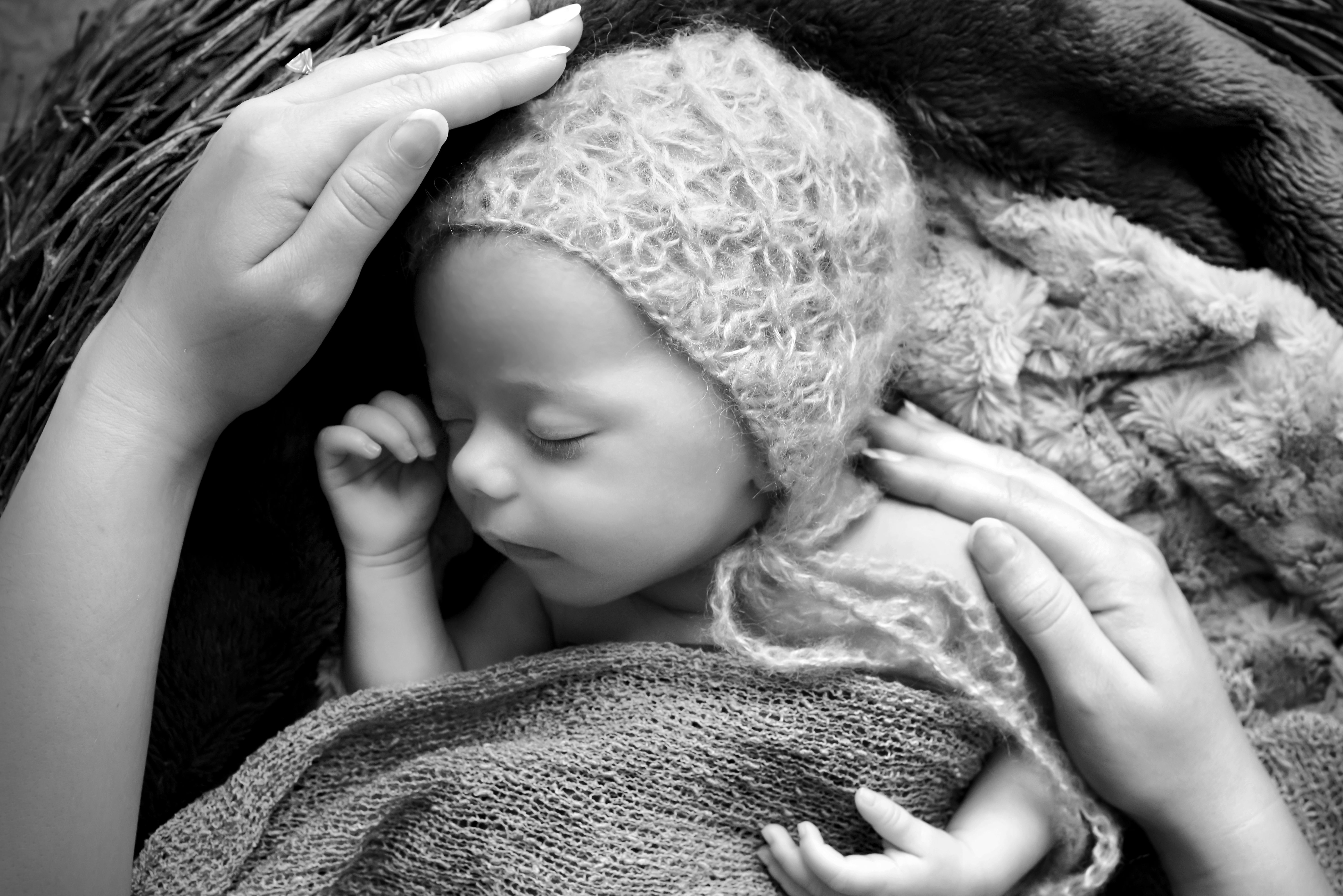 Natural Newborn photos West Sussex