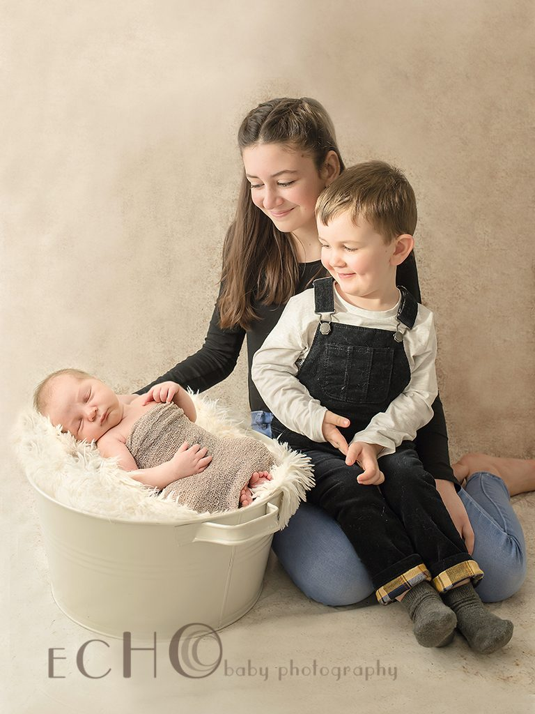 Sibling shot by newborn photographer